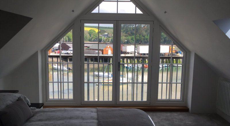 R9 doors gable